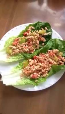 Cup of ground turkey/chicken1/2 cup of onion 3/4 cup of tomatoesA whole green pepper100% pure olive oilRomaine lettuce A...